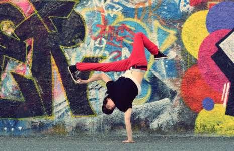 1 Breakdancing